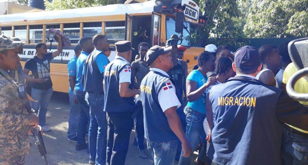 Instituto de Migración dominicano impulsa carné para habitantes fronterizos  - Tu Derecho a Saber
